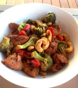 chicken, cashew and broccoli stir-fry